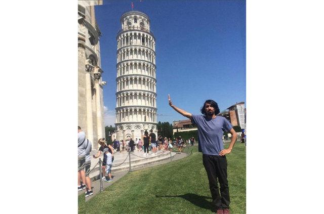 Fotoğrafına Photoshop Yardımı İsteyen Turistin Başına Gelenler