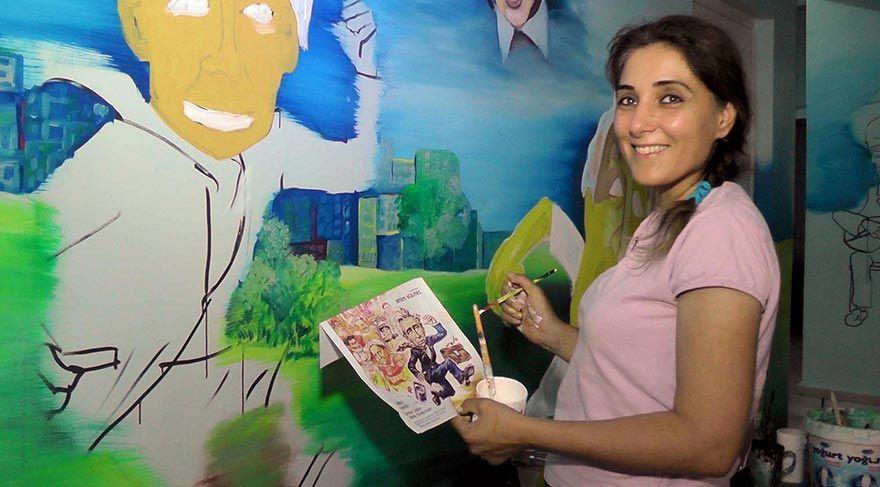 Muşlu Derya Öğretmen Okul Duvarlarına Yağlı Boya ile Resim Yapıyor