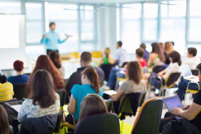 Yüksek Lisansı Olan Öğretmene Kurs Ücreti de %5 Fazla Ödenecek